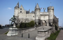 Castle in centrum of Antwerp called : Steen © Ray Hub