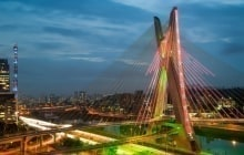 Most famous bridge in the city of Sao Paulo, Brazil © Celso Diniz