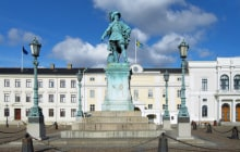 Monument to swedish king Gustav II Adolf in Gothenburg, Sweden © Mikhail Markovskiy