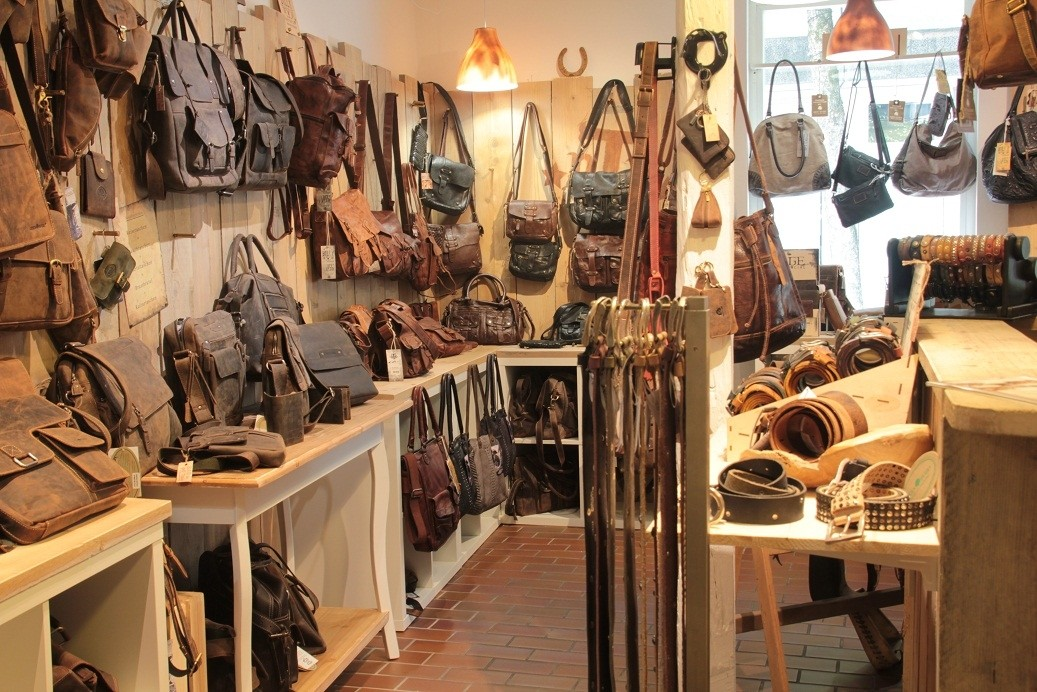 sale retailer the sale of shoes latest design BAG in Time - Vintage Leather Bags Inh. Gudrun Falco Koffer ...